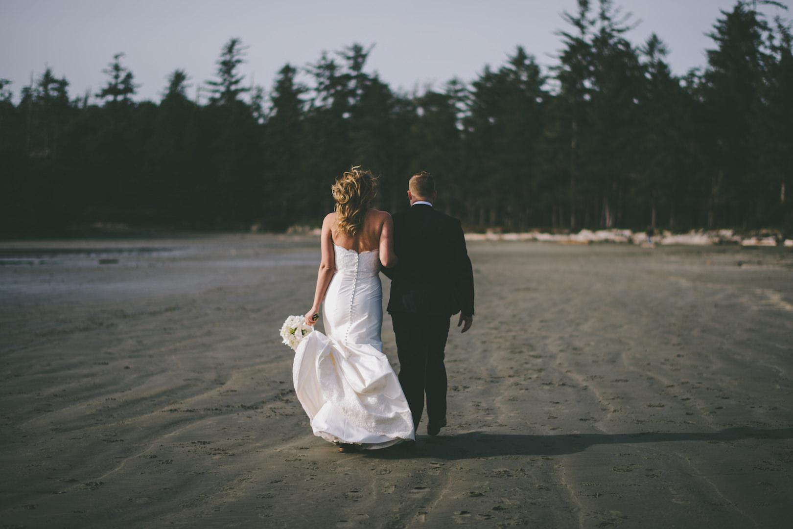 Wedding photographers Tofino