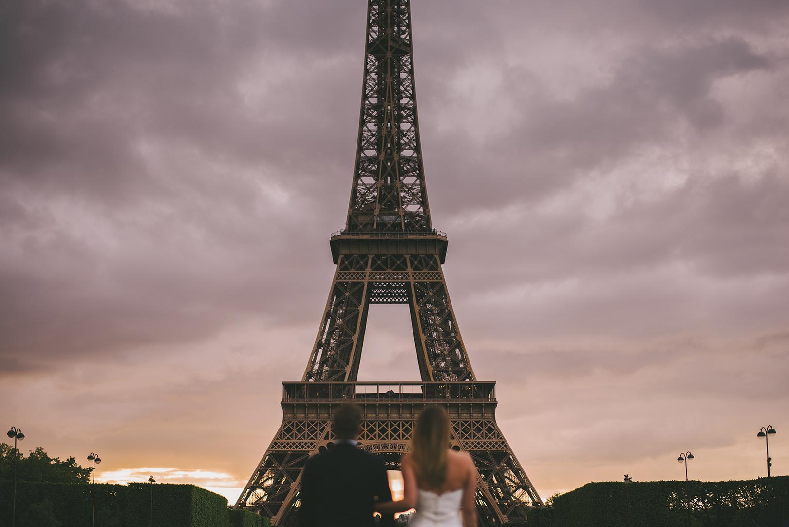 Unique Paris wedding photographers