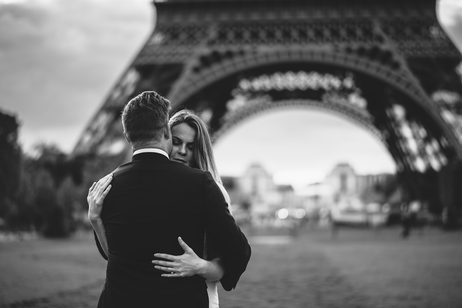 eiffel tower wedding photos