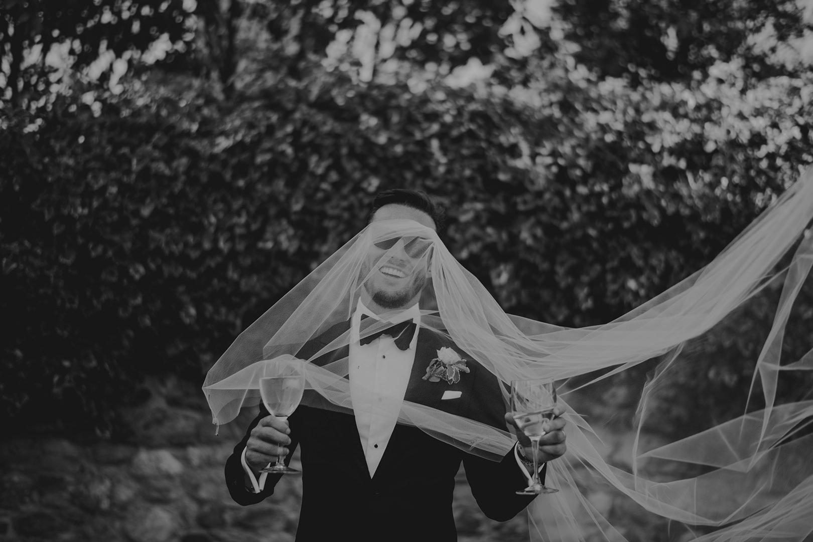 Fun Spanish wedding photography
