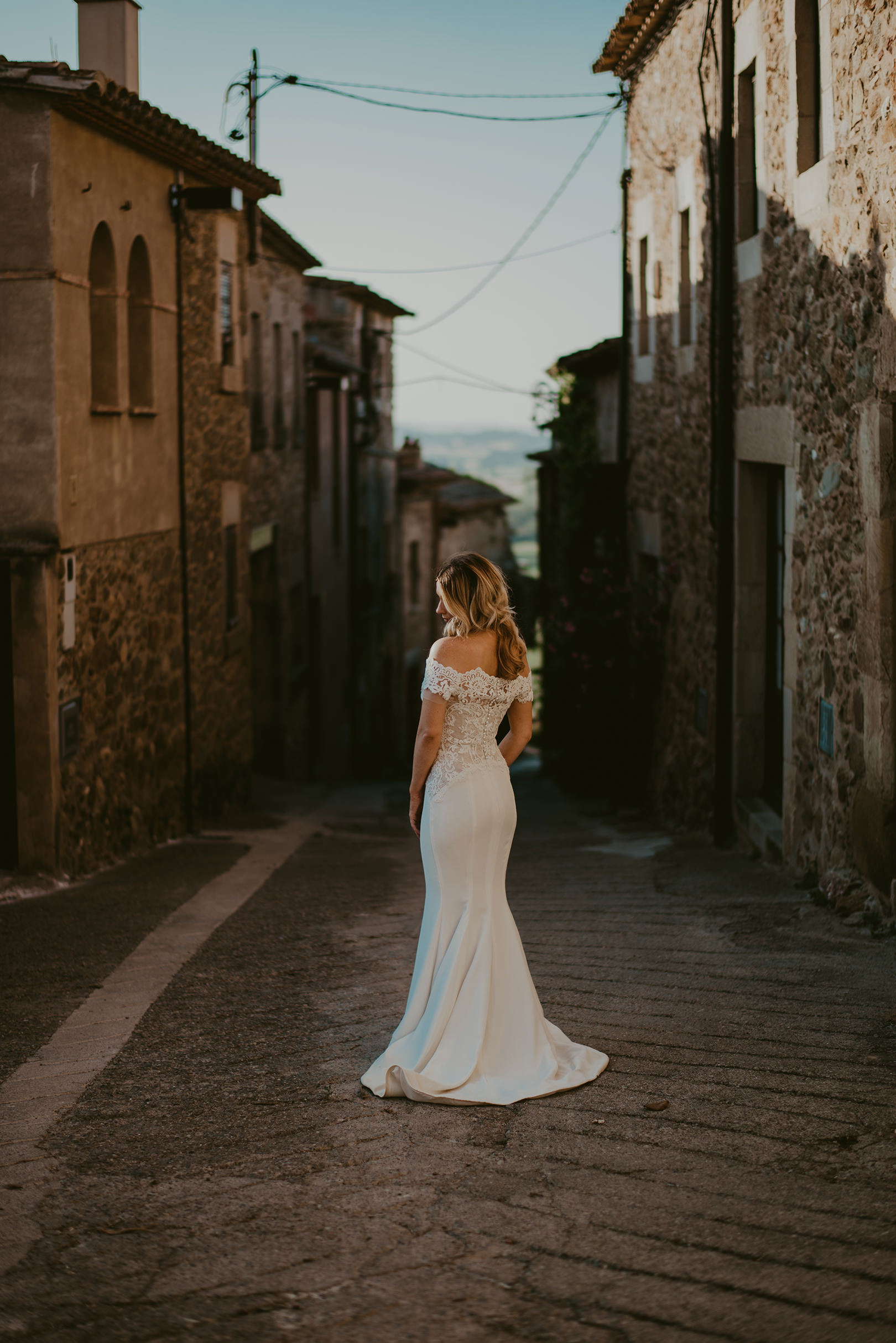 Gorgeous Louicol Designs wedding dress at Castell d'Emporda