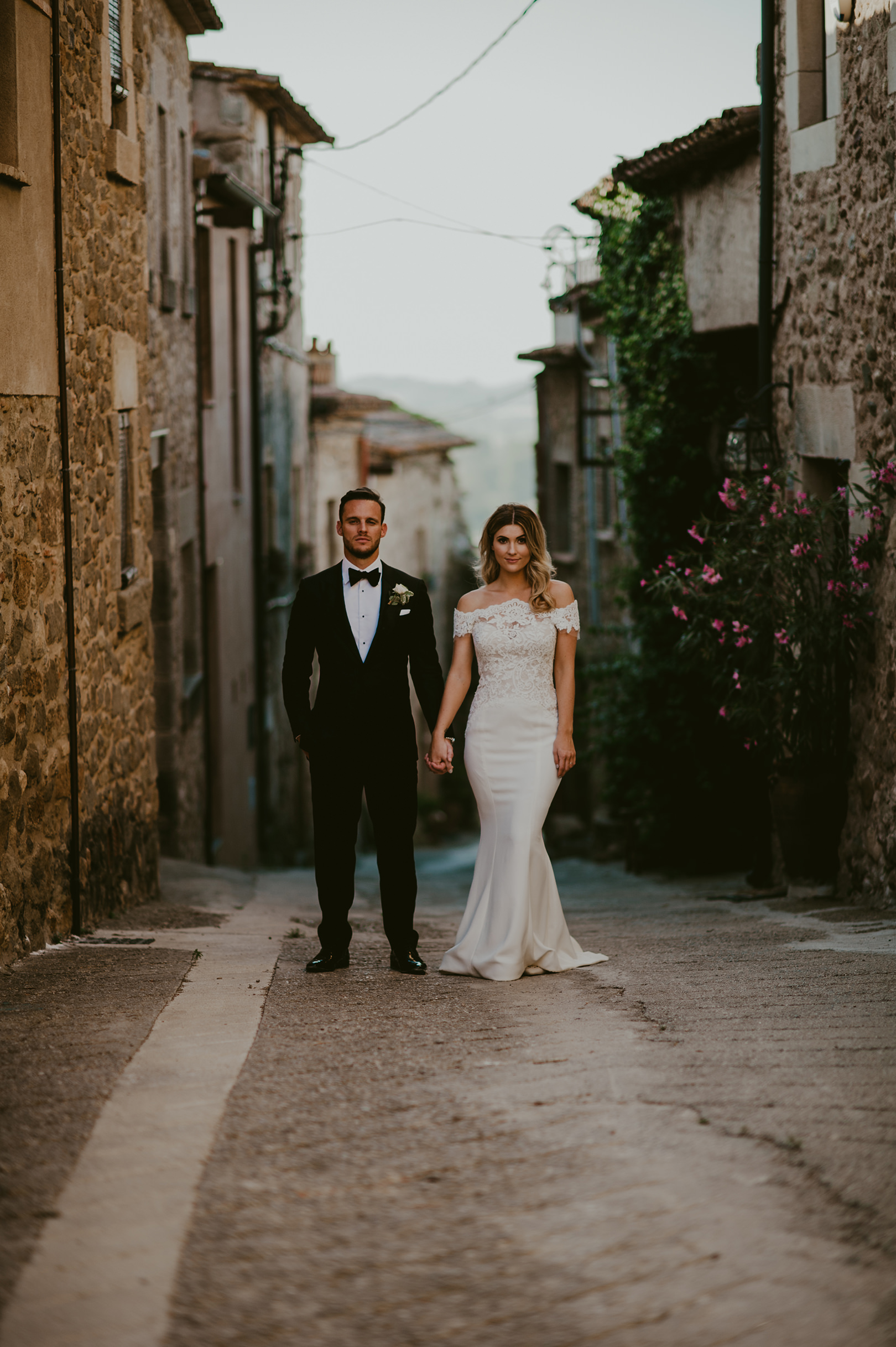 Gorgeous couple photography in Girona Spain