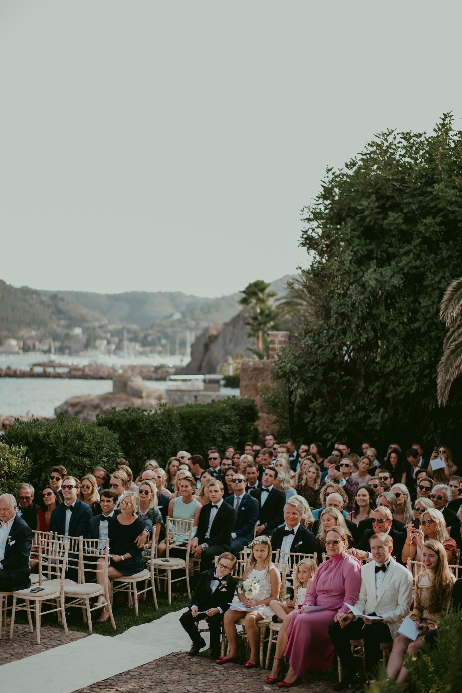 Wedding guests at Chateau de la Napoule in Cannes