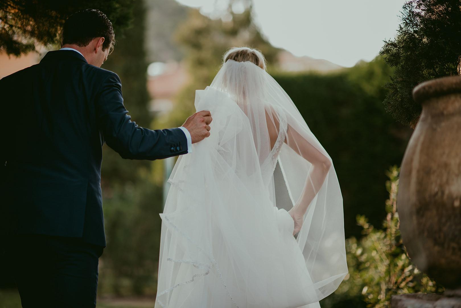 Bride and groom at Chateau de la Napoule in Cannes