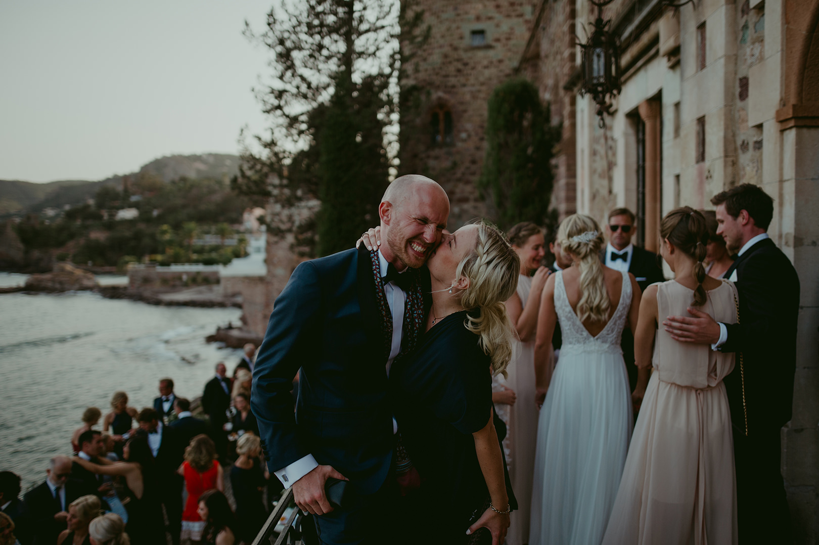 Fun wedding photography sout of France