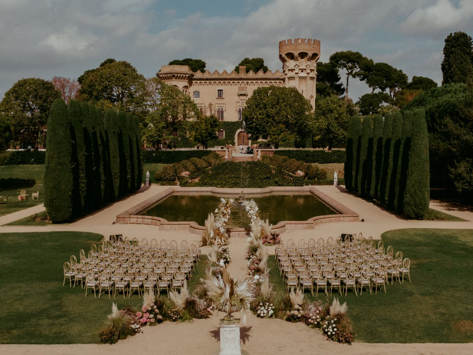 Beautiful wedding design at Castell de Sant Marcal