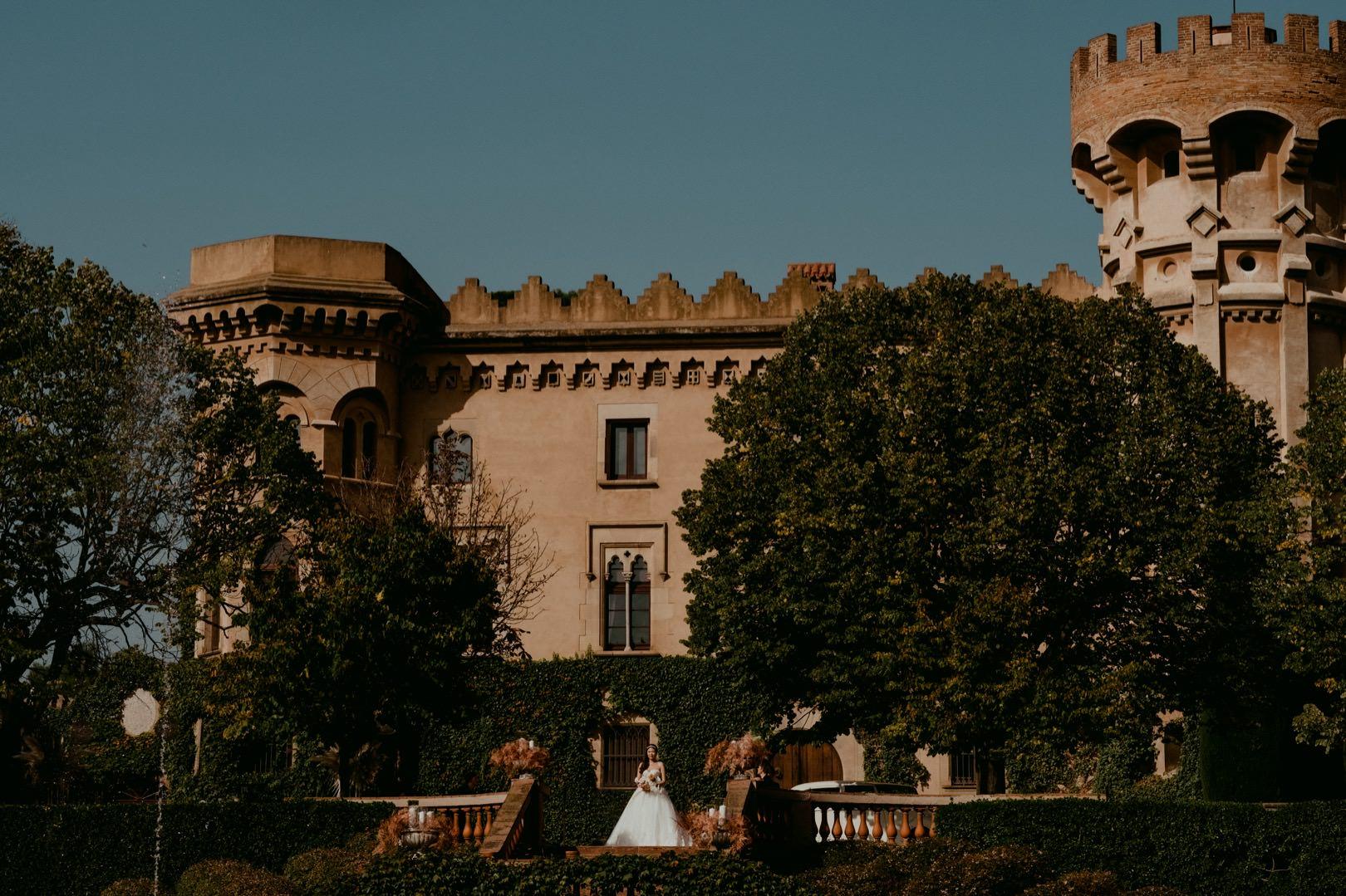 Beautiful Spanish castle wedding